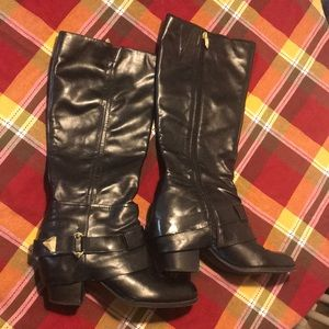 FERGIE Womens Size 10 Boots